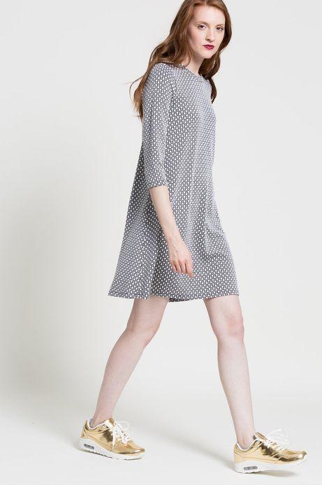 Woman's Sukienka Wonderland biała