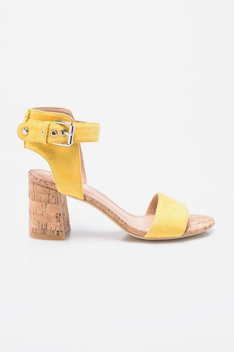 Woman's Sandały Cute and Bleak żółte