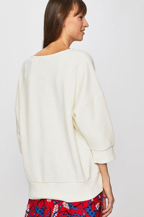 Bluza damska o obniżonej linii ramion kremowa