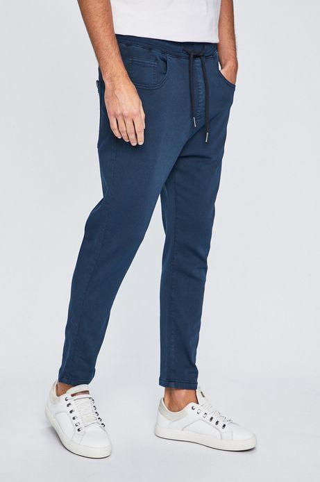 Jeansy męskie z troczkami w pasie niebieskie