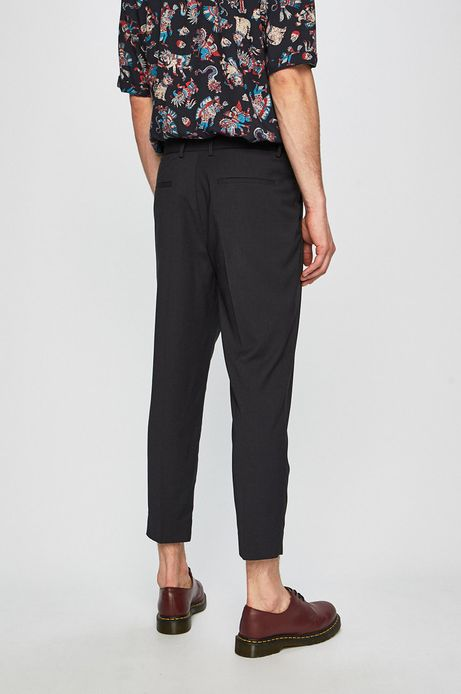 Spodnie męskie zaprasowana w kantkę czarne