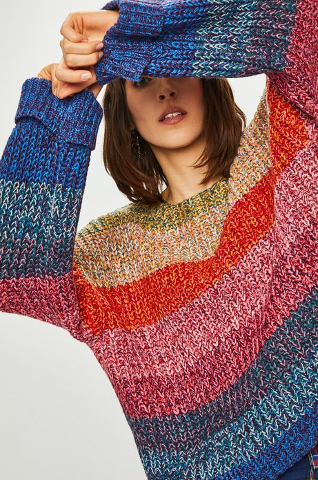 Sweter damski z wzorzystej dzianiny