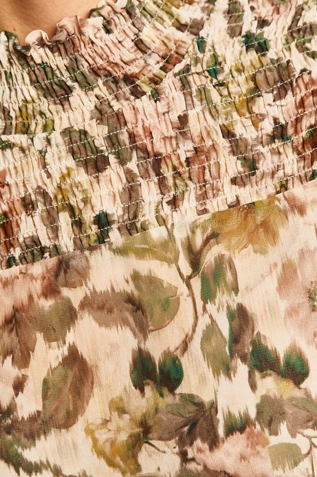 Bluzka damska z półgolfem w kwiaty