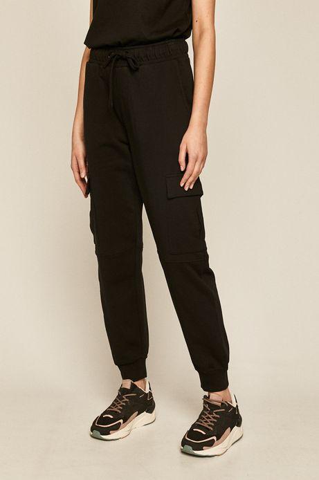 Spodnie dresowe damskie z kieszeniami czarne