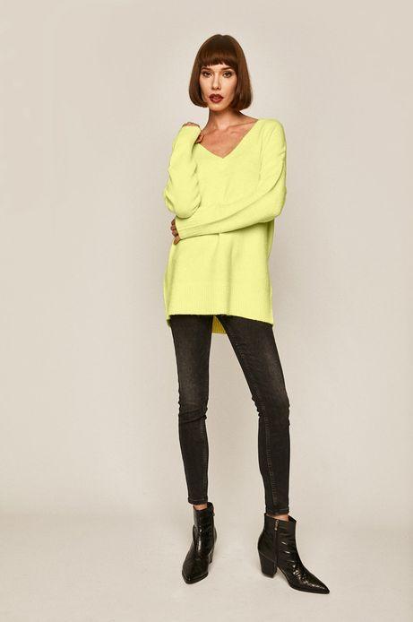 Sweter damski ze spiczastym dekoltem żółty