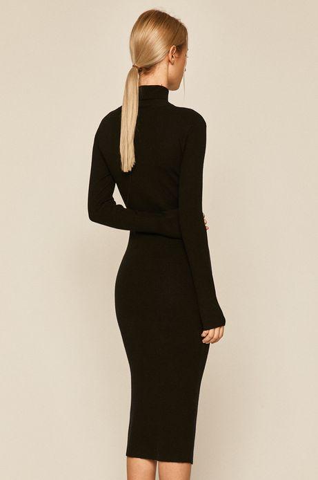 Sukienka damska dopasowana z golfem czarna