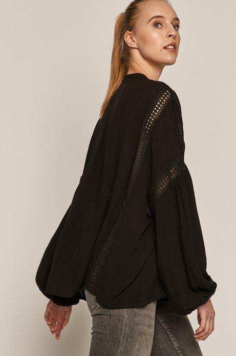Bluzka damska z ażurowymi wstawkami czarna