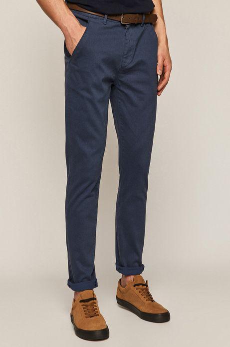 Spodnie męskie w drobny wzór z paskiem niebieskie