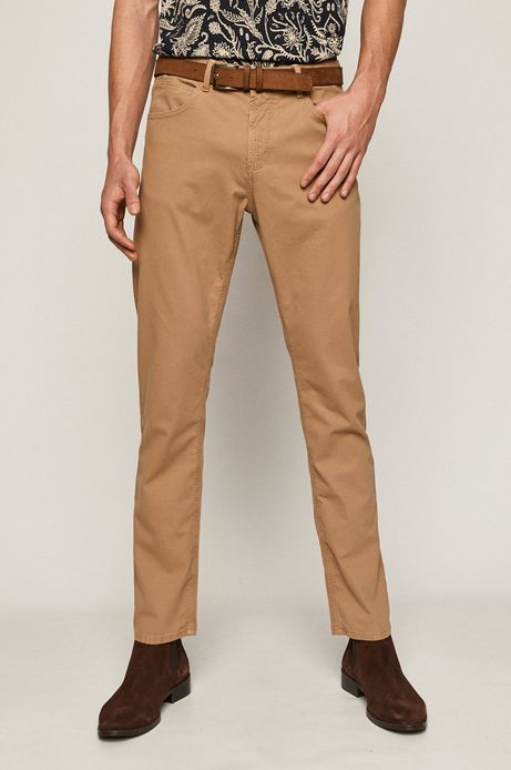 Spodnie męskie  ztkaniny strukturalnej z paskiem brązowe