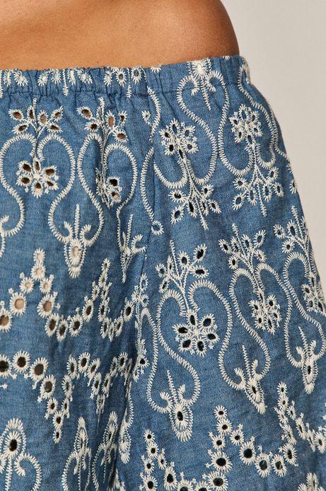 Haftowana sukienka damska z odkrytymi ramionami niebieska