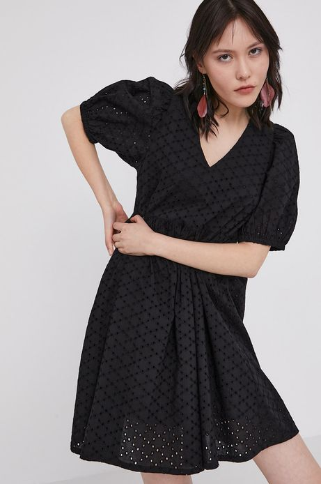 Ażurowa sukienka damska czarna
