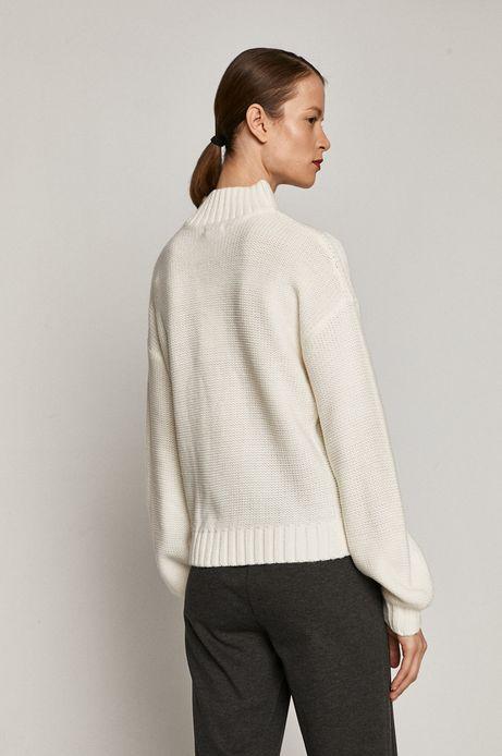 Sweter damski z półgolfem biały