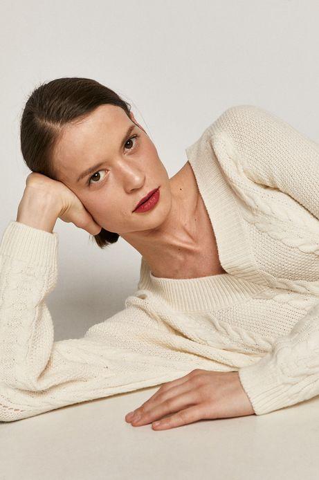 Sweter damski z warkoczowym splotem kremowy