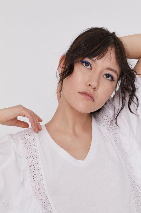 T-shirt damski z bawełny organicznej z ażurowymi wstawkami biały