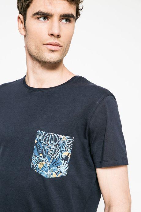T-shirt by Karol Banach  granatowy