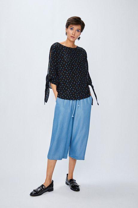 Bluzka damska czarna we wzory z wiązaniem