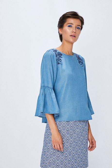 Bluzka damska niebieska z ozdobnymi haftami