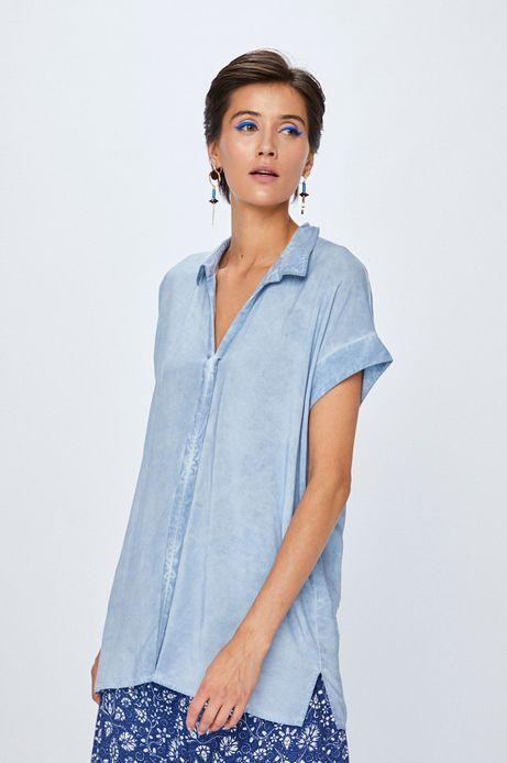 Woman's Koszula damska niebieska z krótkim rękawem