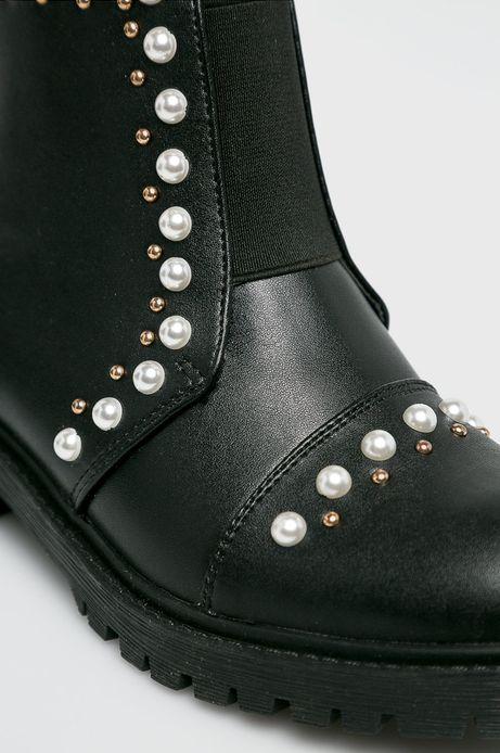 Botki damskie czarne nieocieplane z ozdobnymi detalami