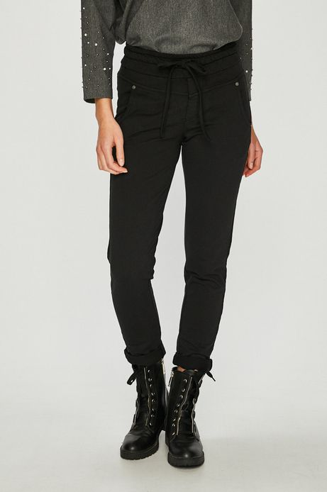 Spodnie damskie czarne z dopasowaną nogawką