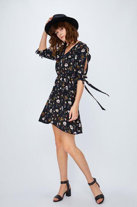 Sukienka damska czarna w kwiaty z wiązaniem