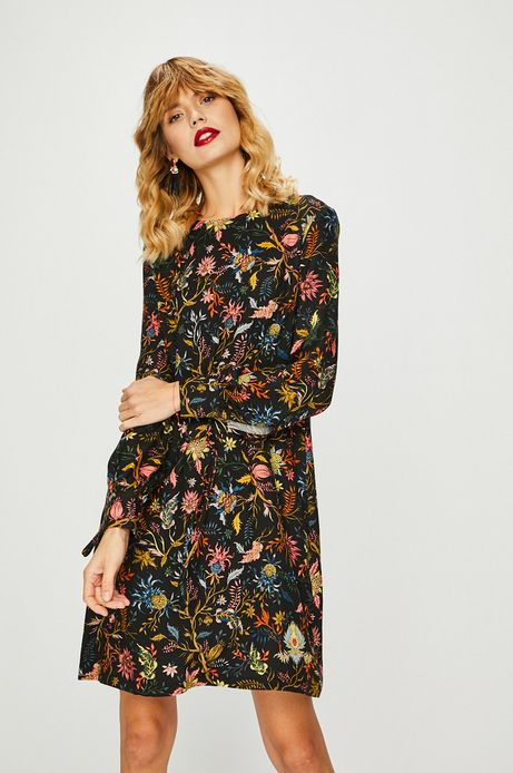 Sukienka damska czarna o prostym kroju