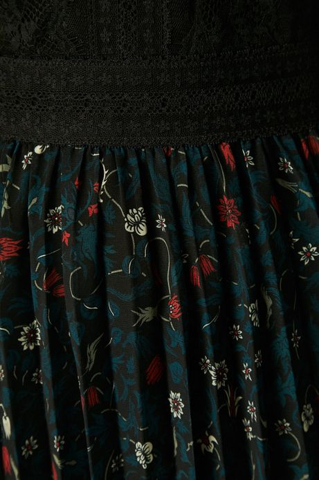 Sukienka damska czarna z przezroczystymi rękawami