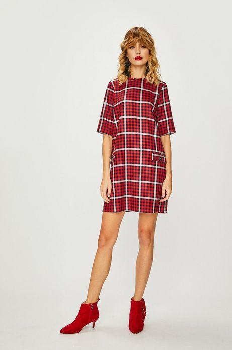 Sukienka damska czerwona w kratę o prostym kroju