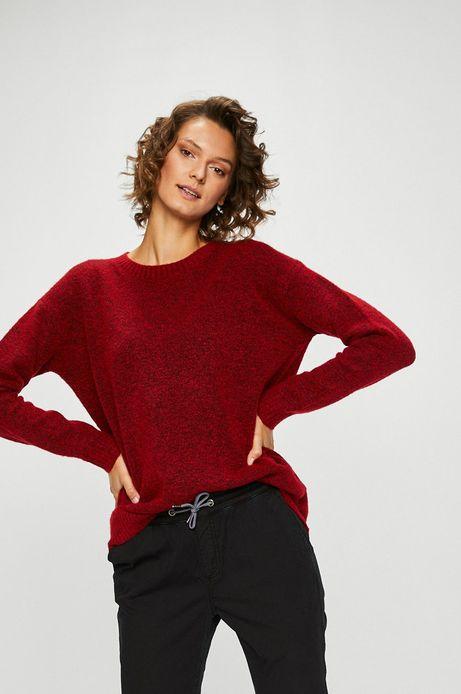 Sweter damski czerwony zakładany przez głowę