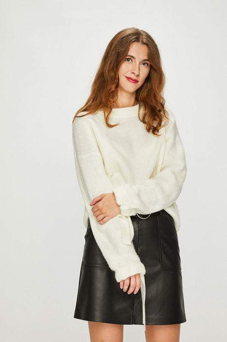 Sweter damski kremowy z wiązaniami na rękawach