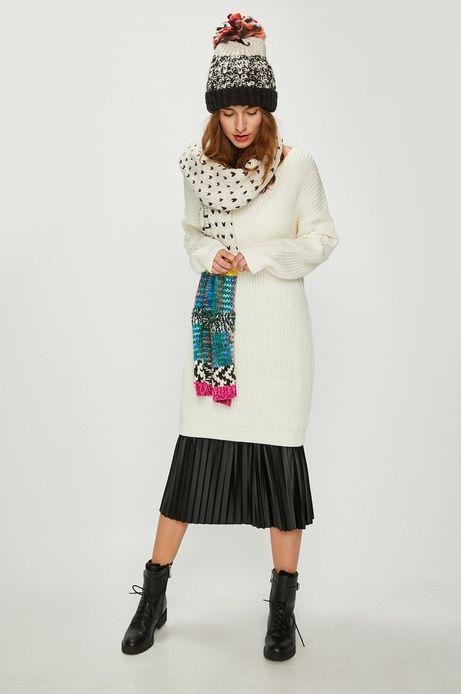 Sweter damski kremowy z dekoltem na plecach
