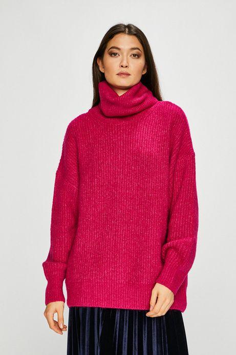 Sweter damski gruby z golfem różowy
