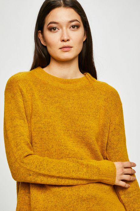 Sweter damski żółty o prostym kroju