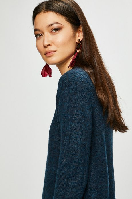 Sweter damski zielony o prostym kroju