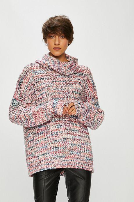 Sweter damski w kolorowe pasy z golfem
