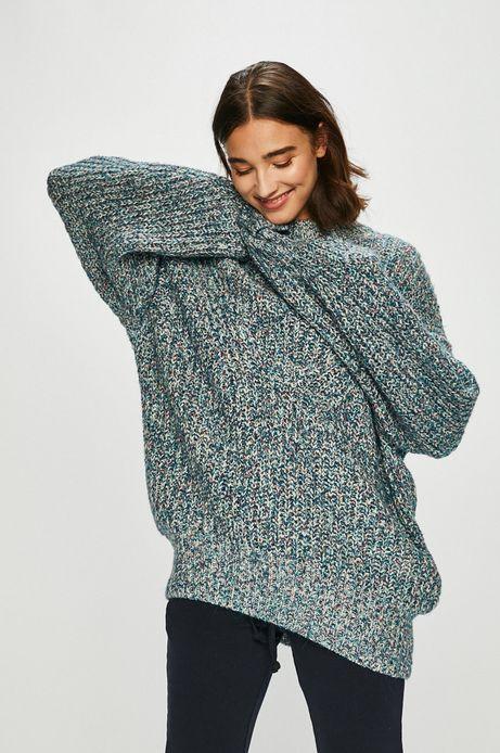 Sweter damski niebieski o obniżonej linii ramion