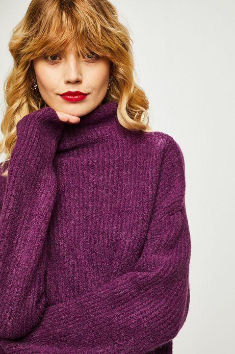 Sweter damski fioletowy z golfem