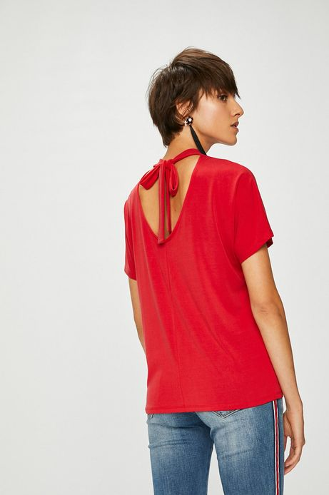 Top damski czerwony z wiązaniem na plecach