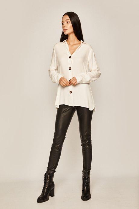 Koszula damska o luźnym kroju biała