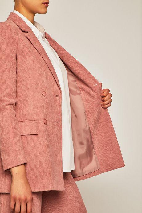 Żakiet damski z fakturą różowy