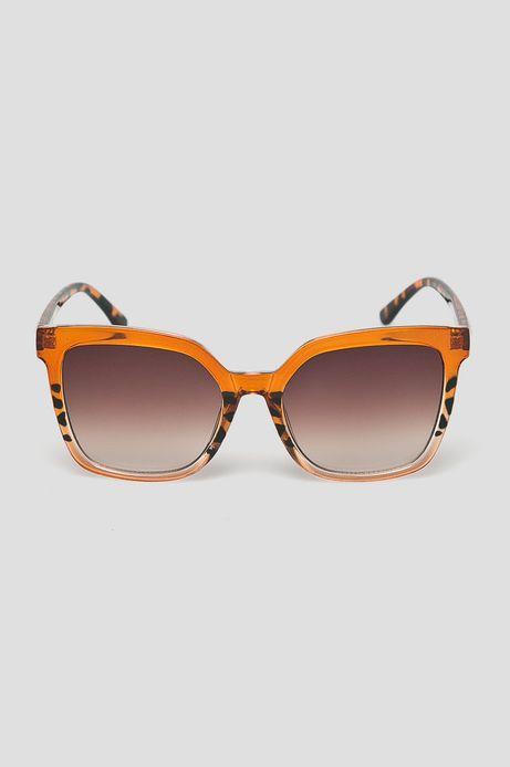 Okulary przeciwsłoneczne damskie w kwadratowej oprawie
