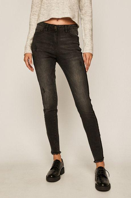 Jeansy damskie z postrzępionymi nogawkami czarne