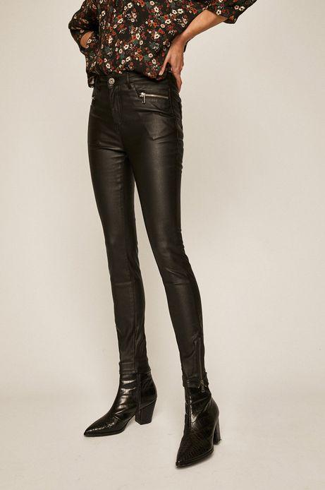 Spodnie damskie z woskowanego materiału czarne