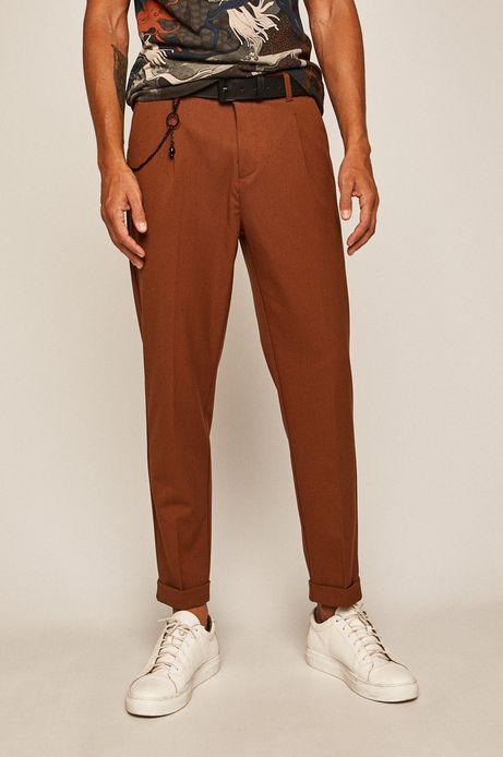 Spodnie męskie z zaszewkami brązowe