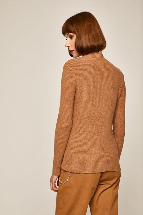 Sweter damski z półgolfem beżowy