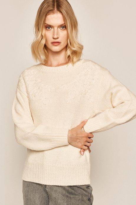 Sweter damski z ozdobną aplikacją kremowy