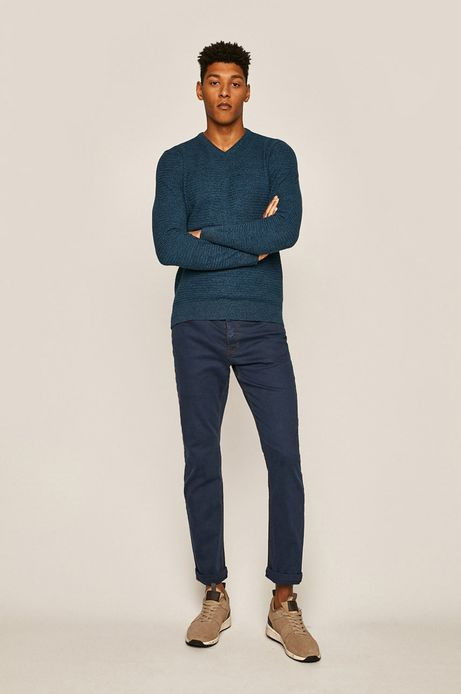 Sweter męski ze spiczastym dekoltem niebieski