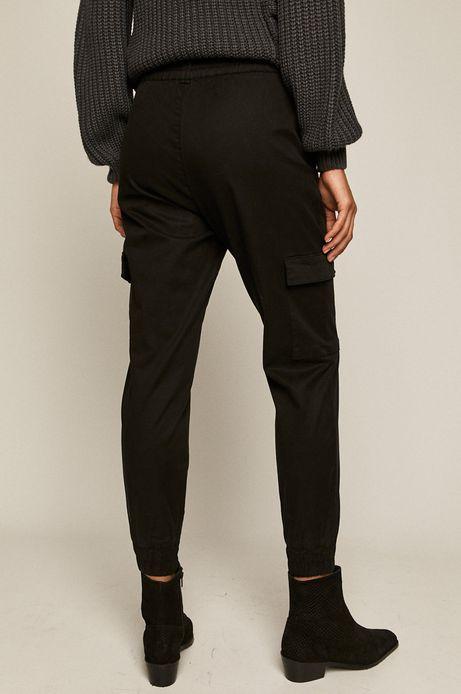Spodnie damskie joggery z kieszeniami cargo czarne