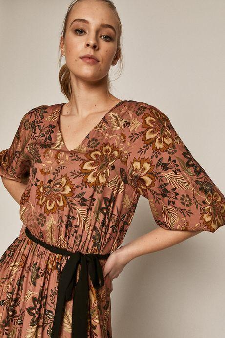 Wzorzysta sukienka damska z falbanką różowa