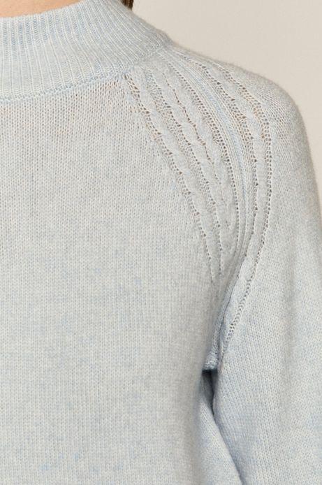 Sweter damski z półgolfem niebieski